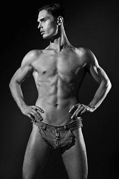Alvaro Casavechia male fitness model