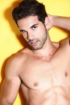 Felipe Alves male fitness model