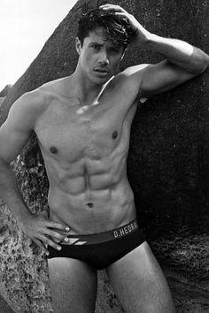 Anderson Schneider male fitness model