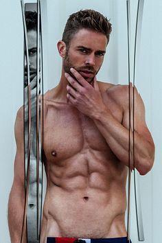 Pascal Maassen male fitness model