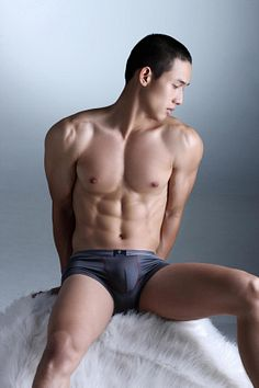 Le Minh Hieu male fitness model