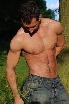 Andreas Cavalli male fitness model