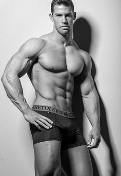 Paul van Der Linde male fitness model