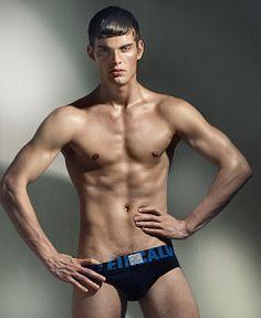 Andrew Hendley male fitness model