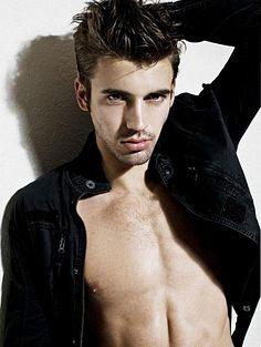 Gabriel Zadok Everett male fitness model
