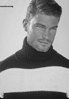 Nate Voronyak male fitness model