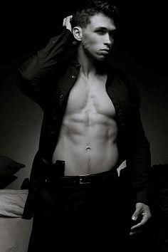 Brandon Levinski male fitness model