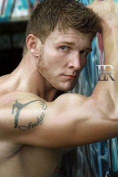 Kody Thompson male fitness model