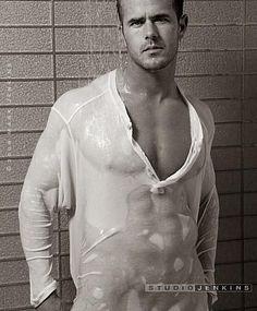 Brian Woodi male fitness model