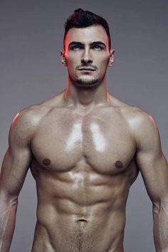 Matthew Eagle male fitness model
