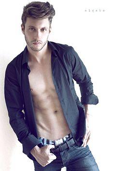 Ramiro Lozano male fitness model