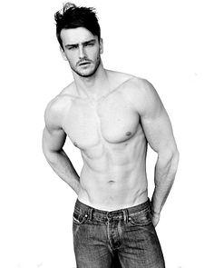 Joel Cardoso male fitness model