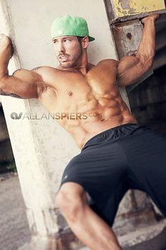 Nathaniel Latham male fitness model