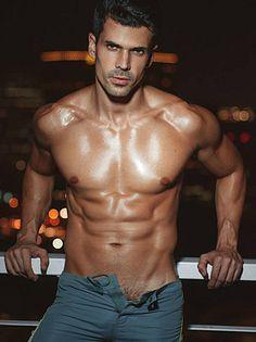 Eduardo Fagundes male fitness model