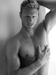 Luis Kelling male fitness model