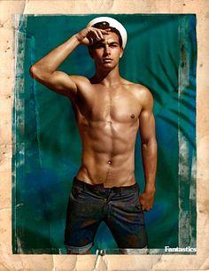 Evan Latham male fitness model