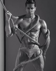 Nicholas Santana male fitness model