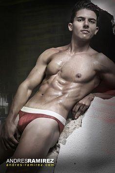 Santiago Quintero male fitness model