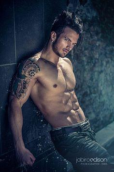 Anthony Amar male fitness model