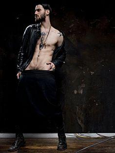 Michael Macneal male fitness model