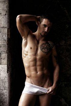 Joel Ferreira male fitness model