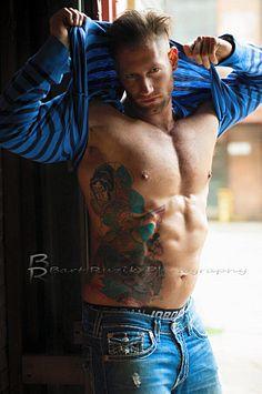 Yaniv Meirovitch male fitness model