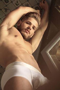 Vinicius Gomes male fitness model