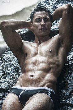 Eduardo Romo male fitness model