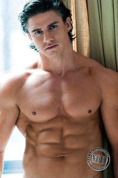 Bjorn De Wilde male fitness model