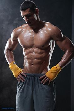 Tom Andrades male fitness model