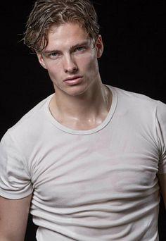 Stefan Scheenstra male fitness model