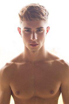 Alejandro Cabrera male fitness model