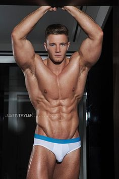 Alex Davies male fitness model