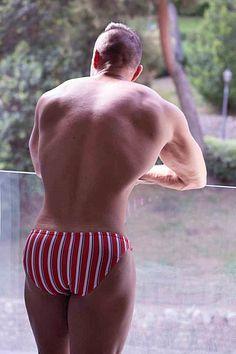 Alex del Castillo male fitness model