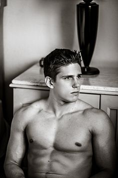 Alex Maxim male fitness model