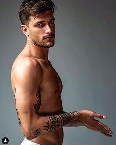 Andrea Zelletta male fitness model
