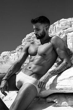 Andreas Antoniou male fitness model