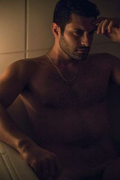 Andreas Skevoulis male fitness model