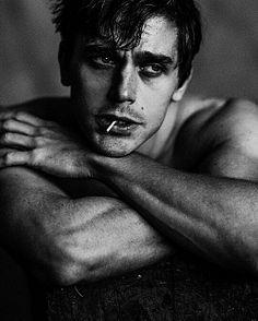 Antoni Porowski male fitness model