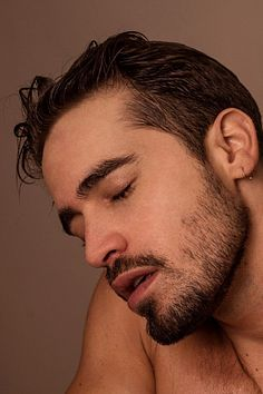 Ariel Franci-Lessing male fitness model