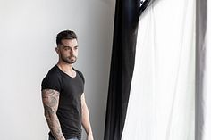 Ariel Roa male fitness model