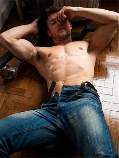 Armando Fogaça male fitness model