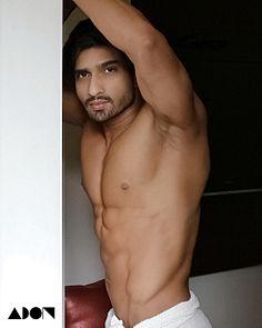Aryan Chaudhary male fitness model