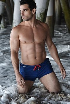 Austin Santee male fitness model