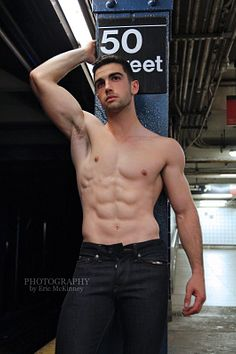 Bill O'Leary male fitness model
