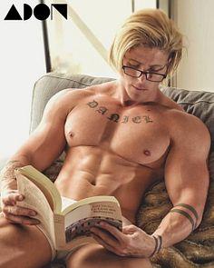 Daniel Dominguez Perez male fitness model