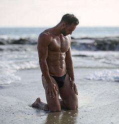Daniel Rice male fitness model