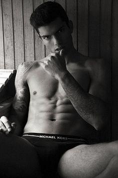 Daniel Sandoval male fitness model