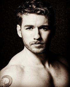 Declan James male fitness model