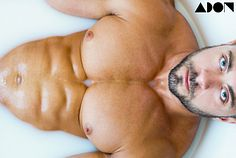 Derek Bold male fitness model